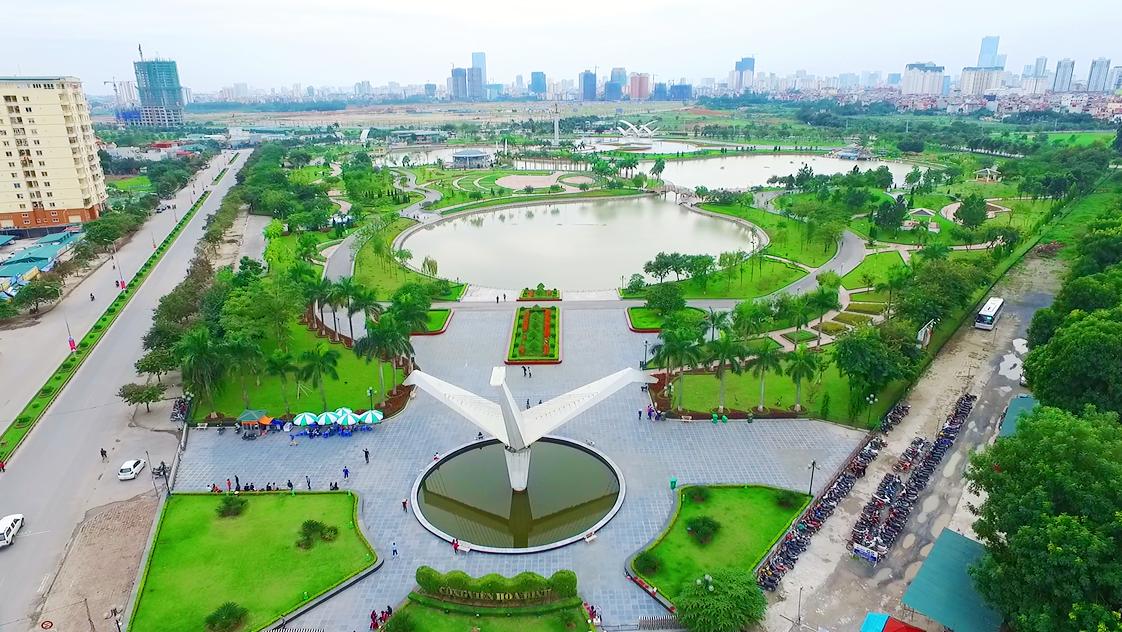 Khu đô thị mới Cổ Nhuế nằm đối diện công viên Hòa Bình